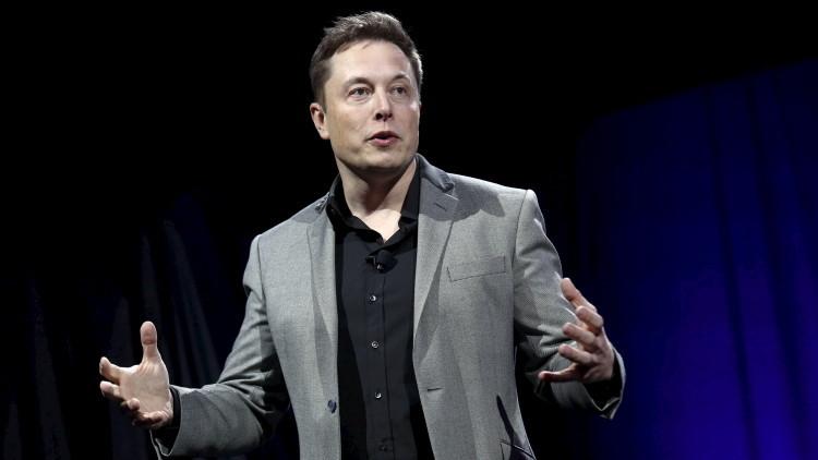 Elon Musk pretende lanzar 4.000 satélites para conectar al planeta