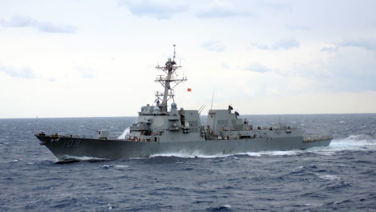CNN: Un avión militar ruso sobrevuela a poca altura naves de la OTAN en el Báltico