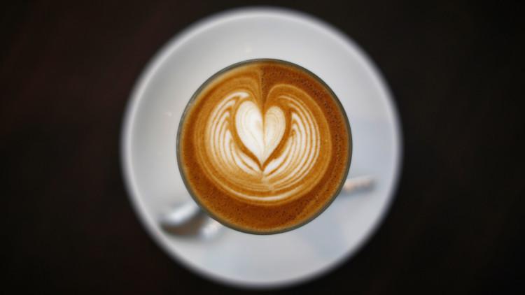 ¿Por qué las primeras horas de la mañana son el peor momento para tomar café?