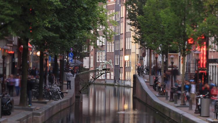 Impresoras robóticas tenderán el primer puente 3D sobre un canal de Amsterdam