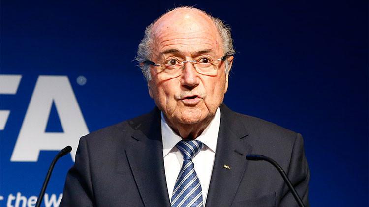 Blatter habría renunciado tras consultarlo con una exfiscal de EE.UU.