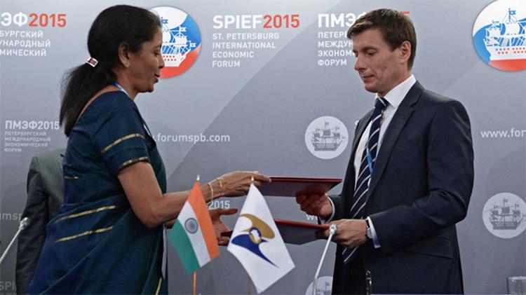 India negocia con Rusia un acuerdo de libre comercio con la Unión Económica Euroasiática