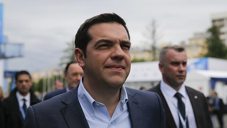 """Tsipras pide a Europa dejar de verse a sí misma como """"el ombligo del mundo"""""""