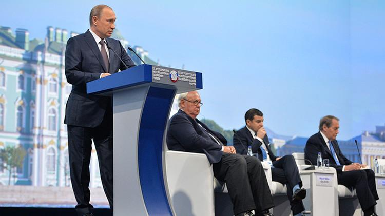 """Putin: """"Rusia y China piensan globalmente: no construimos alianzas contra nadie sino a favor"""""""