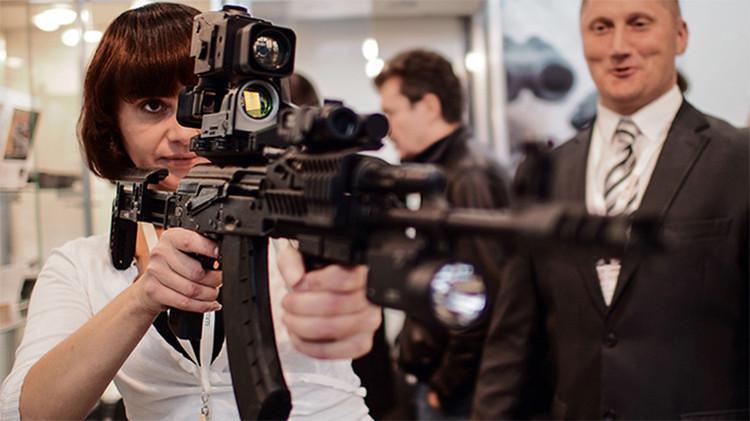 'E-arma': Los legendarios fusiles Kaláshnikov ahora cuentan con acceso a internet