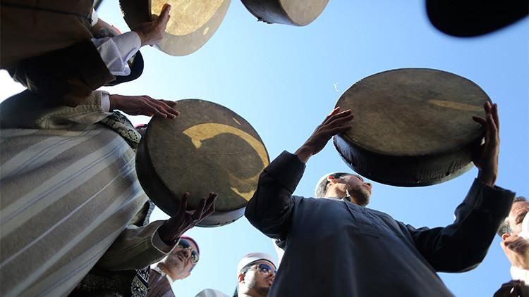 ¿Por qué Al Qaeda ha lanzado una 'cruzada' contra los tambores sufíes en Yemen?