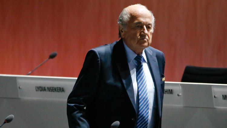 """Blatter planea introducir """"exámenes de integridad"""" entre los funcionarios de la FIFA"""