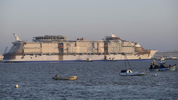 Fotos: El crucero más grande del mundo ya calienta motores