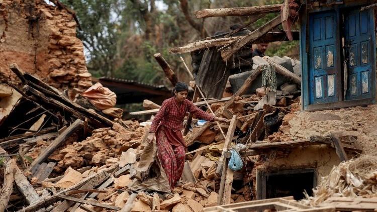 Los terremotos desplazan el eje de la Tierra, reducen el día y la gravitación
