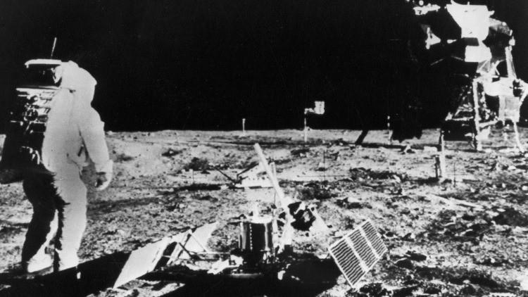 La investigación rusa ironiza sobre las explicaciones del jefe de la NASA sobre el viaje a la Luna