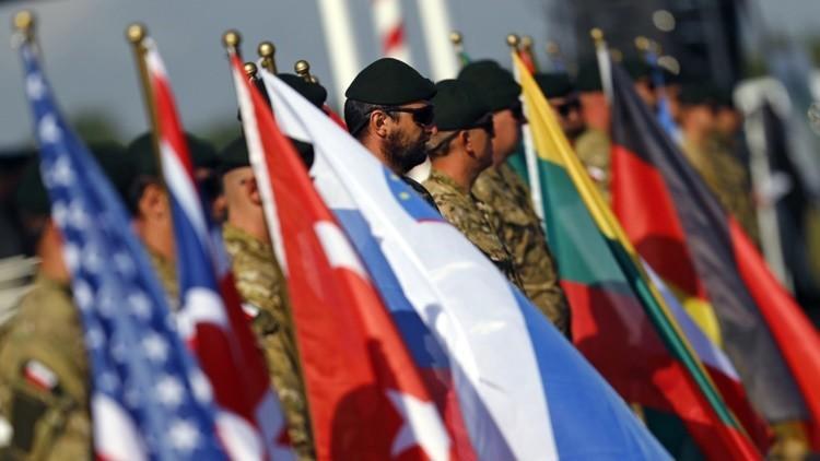"""Columnista de 'The Guardian' a RT: """"EE.UU. intenta crear un enemigo de la nada"""""""