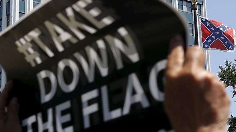 """""""¡Quítenla!"""": Carolina del Sur discutirá el futuro de la 'bandera racista'"""