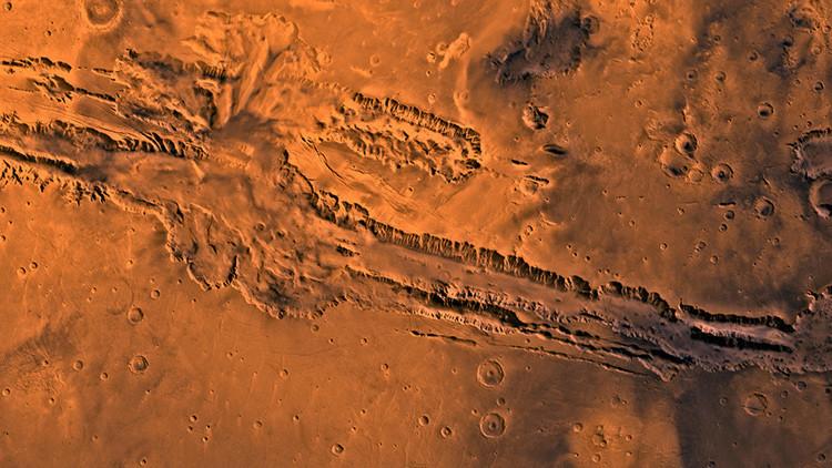 """Hallan en Marte rastros """"recientes"""" de agua"""