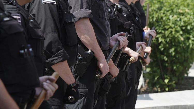 Arrestan en EE.UU. a un 'policía del año' por violar a dos mujeres