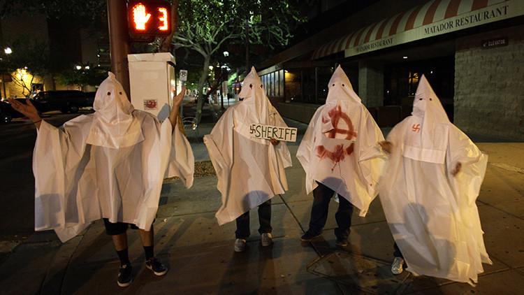Ku Klux Klan busca reclutar miembros para reavivar la guerra racial en EE.UU.