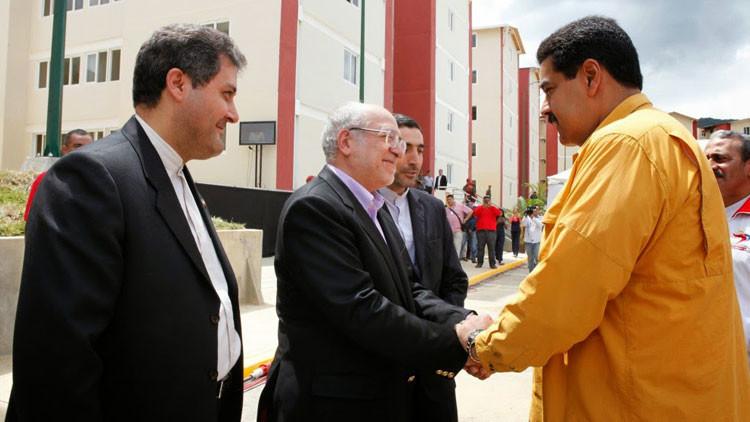 El presidente venezolano Nicolás Maduro y el ministro de Industria, Minería y Comercio de Irán, Moha