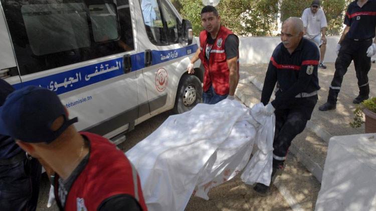 """Terrorista a un tunecino: """"Vete a casa, he venido a matar solo a turistas"""""""