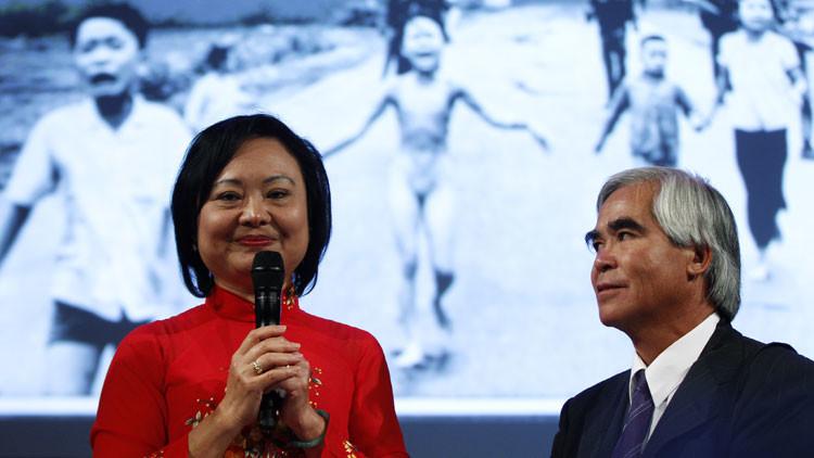"""Kim Phuc: """"Siempre recuerdo aquel horrible día en el que huimos de la vida a la muerte"""""""