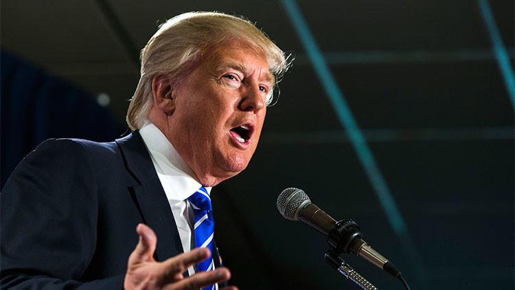 """Trump aboga por el muro fronterizo y promete ser """"muy severo"""" si México no lo costea"""