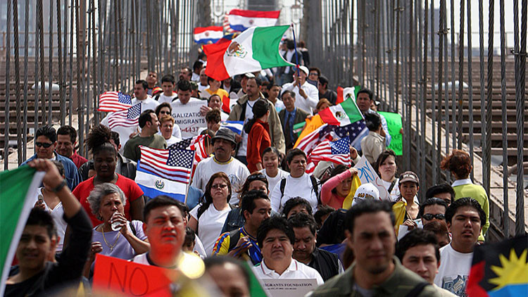 Por primera vez EE.UU. supera a España en hispanohablantes