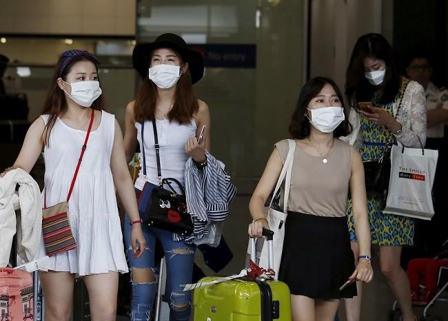 Hong Kong emitió una alerta roja y desaconsejó viajar a Corea del Sur
