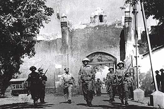 Las tropas indias entran en Goa.
