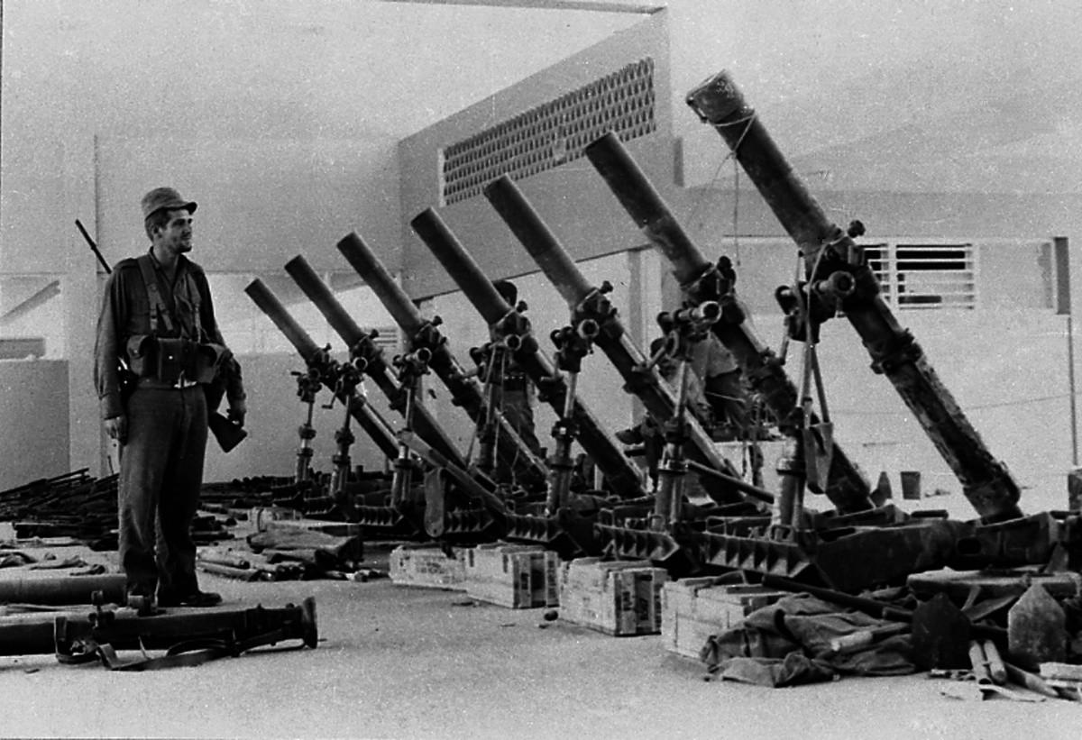 Las armas de fabricación estadounidense incautadas tras la batalla de Playa Girón.
