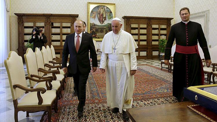 El presidente de Rusia, Vladímir Putin, y el papa Francisco