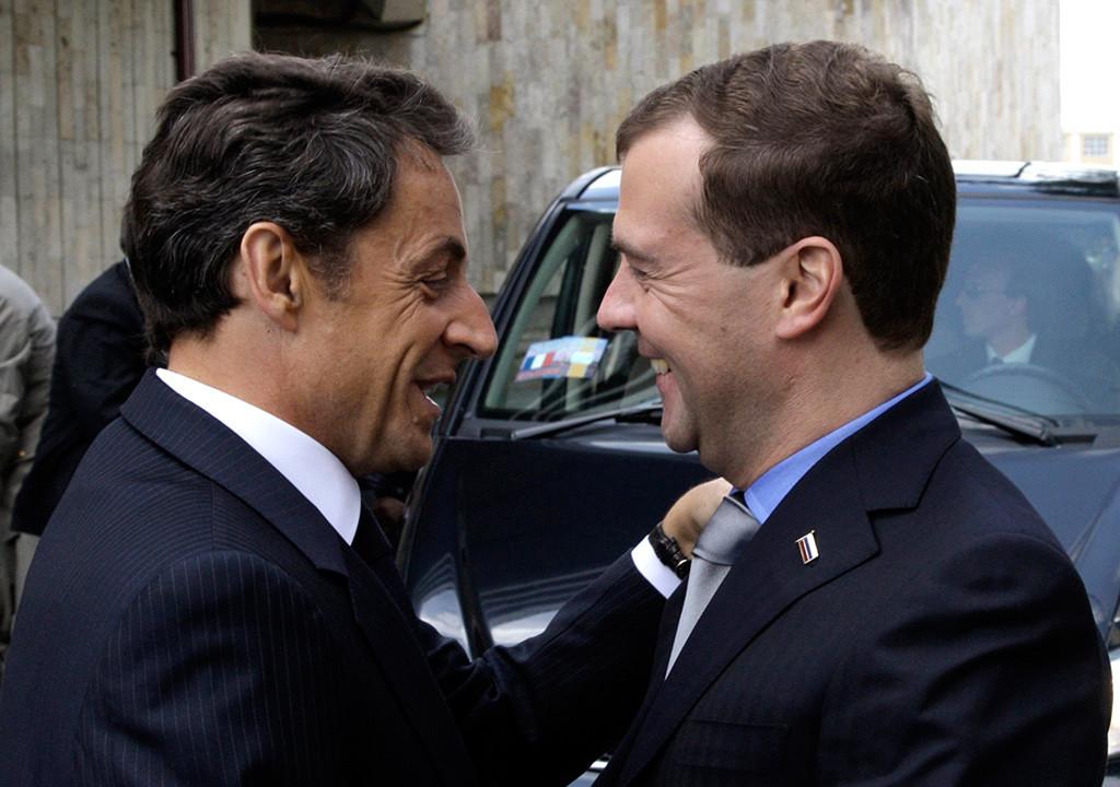 Nicolás Sarkozy y Dmitri Medvédev en 2010