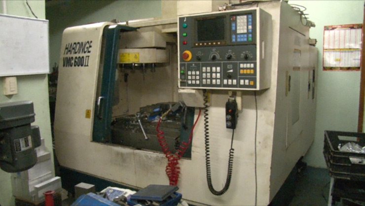La fresadora de control numérico computarizado (CNC)