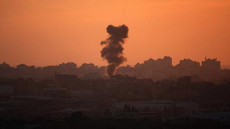 Israel lanza múltiples ataques aéreos en Gaza tras dos cohetes lanzados contra el país