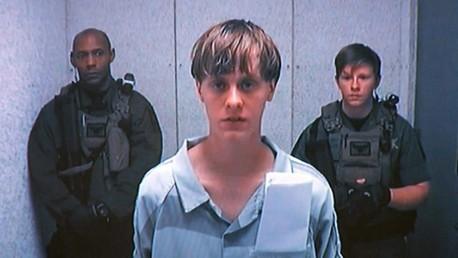 Hallan manifiesto racista del autor del tiroteo en Charleston. ¿Por qué lo hizo?