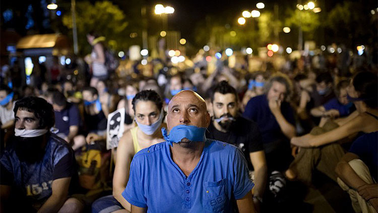 Guía práctica de la 'ley mordaza': Qué no se puede hacer en España a partir del 1 de julio