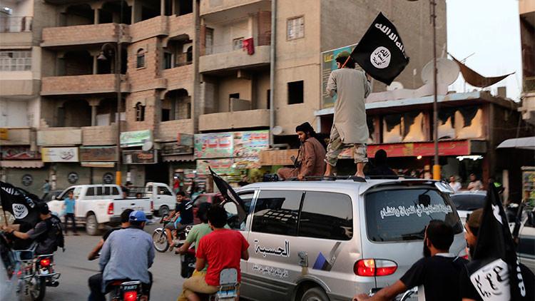 El EI arroja desde un tejado a cuatro iraquíes acusados de ser homosexuales