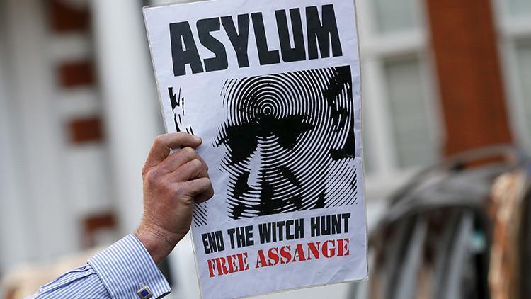 Julian Assange pide al presidente Hollande asilo en Francia a través de 'Le Monde'