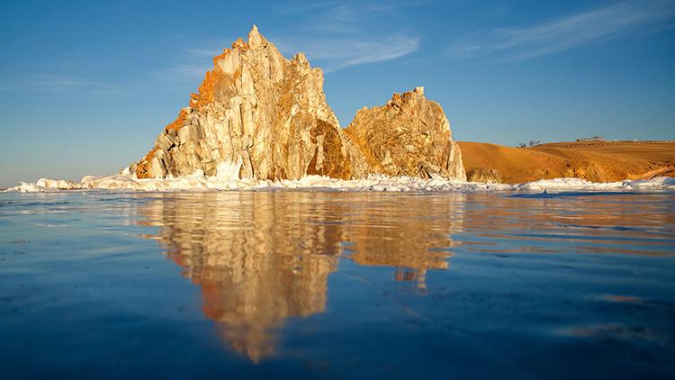 Publican nuevas imágenes del lago ruso 'sin fondo' que alucina a los buceadores