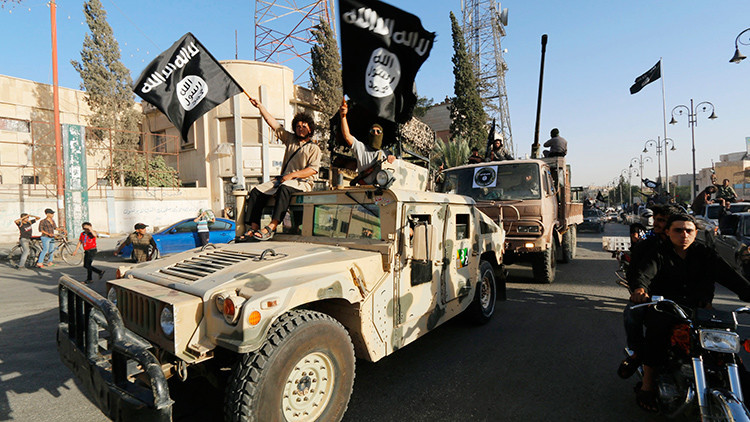 Menores del Estado Islámico ejecutan a 25 soldados sirios en Palmira
