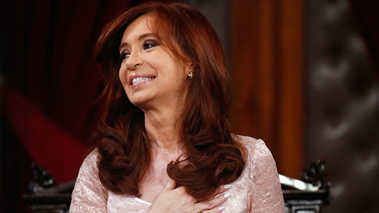 """Cristina Kirchner: """"Los argentinos saben por qué los griegos han votado 'no'"""""""
