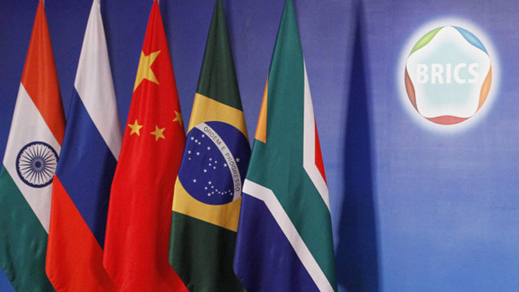 """""""No a la confrontación"""": Lanzan campaña en EE.UU. exigiendo cooperación con el BRICS"""