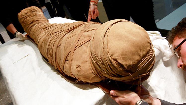 Egipto: Descubren fosas con momias de niños de hace 5.000 años