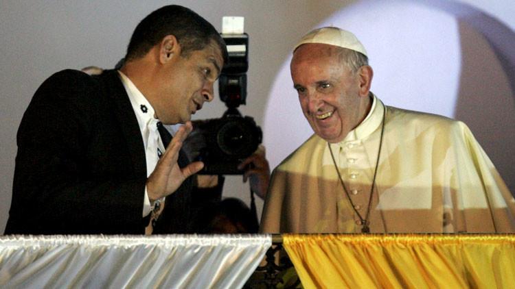 ¿Qué regalos le hizo el papa Francisco al presidente de Ecuador?