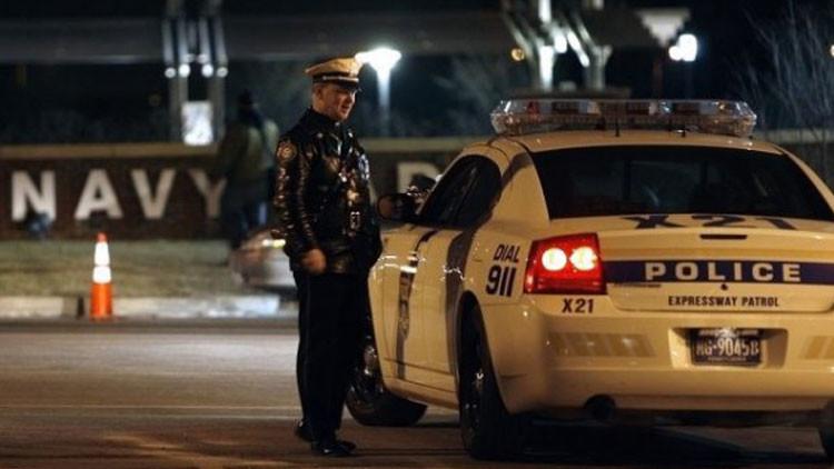 Video: Policías de EE.UU. dan puñetazos, patadas y descargas a un joven indefenso
