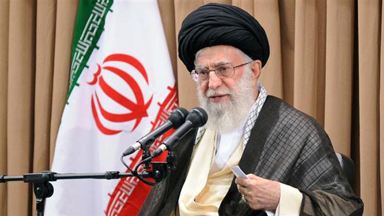 """Ayatolá Jameneí: Irán debe continuar su lucha contra la """"arrogante"""" EE.UU."""