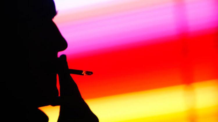 Fumar puede causar psicosis y esquizofrenia