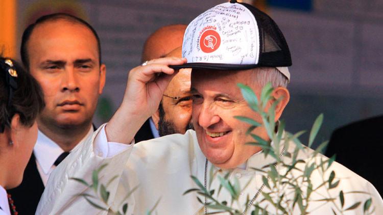 """Francisco exhorta a los jóvenes a """"hacer lío"""", pero también """"arreglar el lío que hacen"""""""