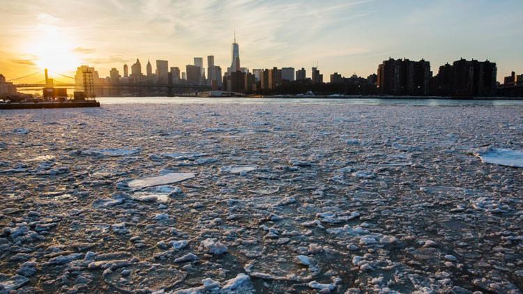 """'El día después de mañana': La Tierra se enfrenta a """"una mini edad del hielo"""""""