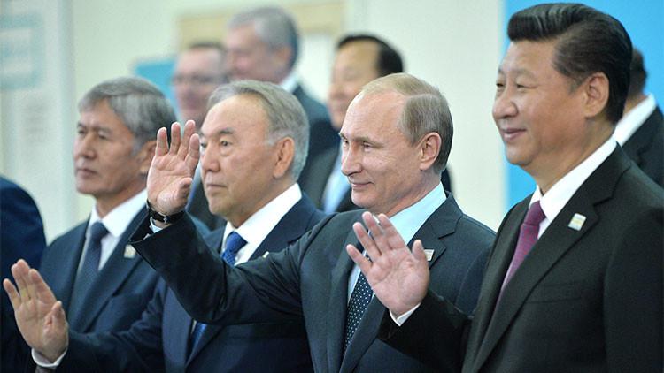 """Experto: """"Los BRICS y la OSC siembran el pánico en EE.UU."""""""