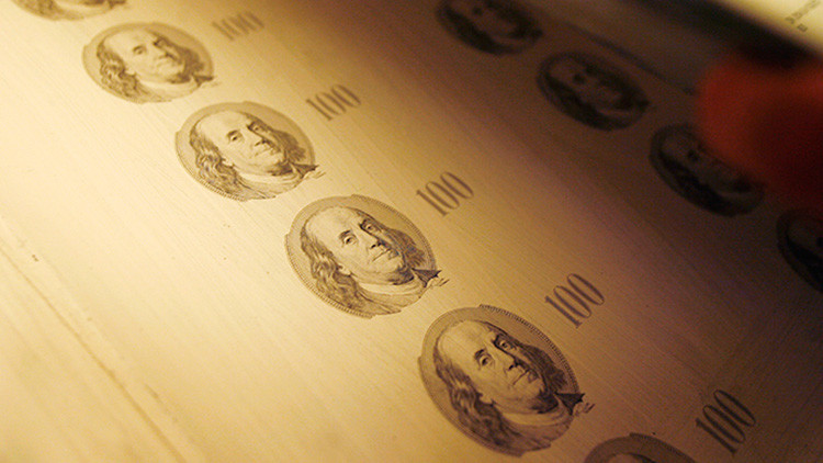 """Una estadounidense imprimió dinero falso en su casa """"con el permiso"""" de Obama"""