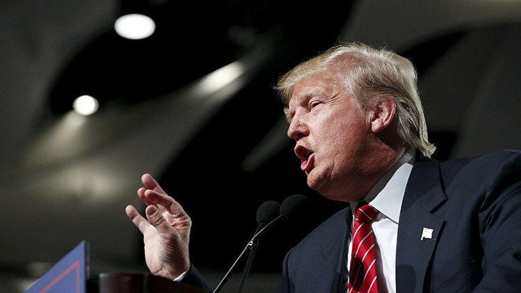 """Donald Trump: """"Los hispanos me aman"""""""