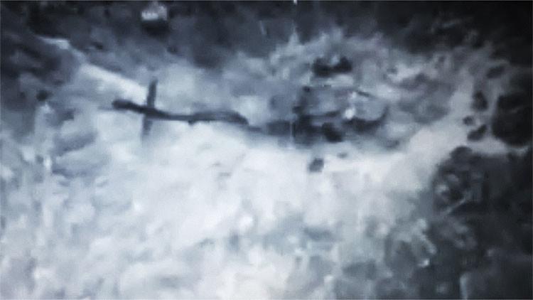 Video: Helicóptero colombiano explota al aterrizar en campo minado